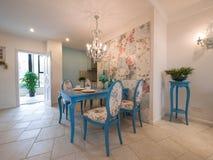 классицистическая обедая роскошная комната Стоковая Фотография