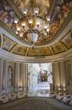 классицистическая роскошь корридора колоннады Стоковое Фото