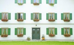 классицистическое окно белизны стены двери стоковая фотография rf