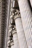 классическая деталь колоннады Стоковое Изображение RF