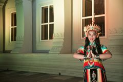 Классическая тайская настройка Monohra тип возникновения драмы танца стоковые фото