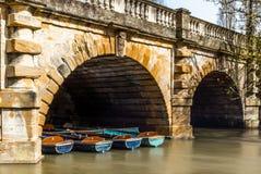 Классические деревянные шлюпки состыковали на реке в Оксфорде - 2 Стоковые Изображения