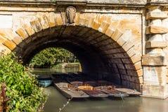 Классические деревянные шлюпки состыковали на реке в Оксфорде - 3 Стоковое Изображение