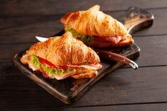 Классические сандвичи круассана BLT стоковое изображение rf