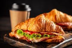 Классические сандвичи круассана BLT стоковая фотография