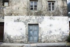 Классический ретро дом здания в малом переулке на городе Pfunds Стоковая Фотография RF