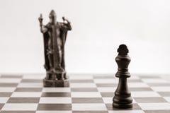 Классический черный король и такая же часть в форме средневекового fi Стоковые Изображения RF