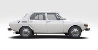 Классический шведский взгляд со стороны Saab 99L автомобиля изолированный на белизне стоковое изображение rf