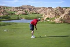 класть игрока в гольф Стоковая Фотография RF