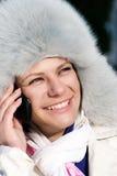 клетчатые говоря женщины телефона Стоковые Изображения RF