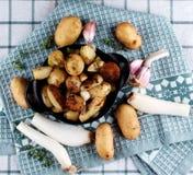 клин зажаренные в духовке картошкой Стоковые Изображения