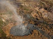 Клокоча геотермическая весна около Reykjadalur стоковое фото rf