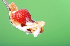 клубники cornflakes завтрака Стоковая Фотография