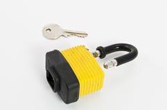 ключевой желтый цвет padlock Стоковое Изображение