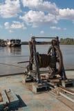 Ключистый порт: Заржаветый и старый ручной военноморской ворот стоковая фотография