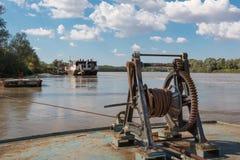Ключистый порт: Заржаветый и старый ручной военноморской ворот стоковая фотография rf