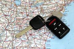 ключи составляют карту сверх Стоковые Фотографии RF