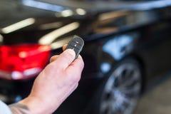 Ключ аварийной системы безопасностью автомобиля стоковая фотография