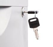 Ключ в замке ящика стола металла Стоковое Фото