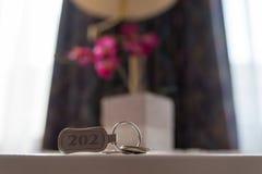Ключ 202 гостиницы на таблице стоковая фотография rf