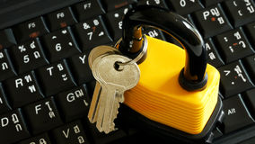Ключ для всех замков на клавиатуре Стоковое фото RF