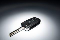 ключ темноты автомобиля предпосылки Стоковые Фотографии RF