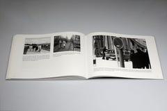 Книга Берлинской стены 1961-1989, дорога открытая только к западному военному персоналу стоковое изображение rf