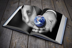 Книга земли устойчивости Стоковые Фото