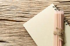 Книга и карандаш Стоковые Изображения