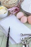 Книга и ручка рецепта Стоковое фото RF