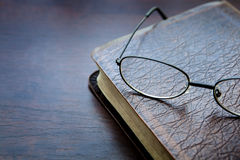 Книга, чтение, библия Стоковое Изображение