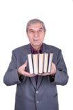 книги держа старый усмехаться профессора Стоковая Фотография