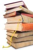 книги закрывают большую старую кучу снятую вверх Стоковые Фотографии RF