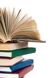 книги закрывают цветастое штабелируют вверх Стоковое фото RF