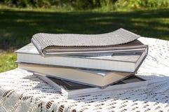 книги изолированные над белизной стога стоковые изображения