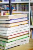 Книги на стуле Стоковые Фотографии RF