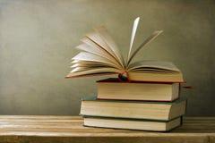 Книги сбора винограда старые Стоковая Фотография RF