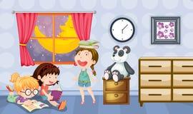 Книги чтения девушек в комнате Стоковые Изображения