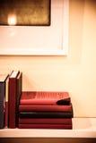 Книжные полки на стене Стоковые Изображения