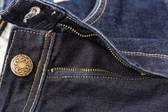 Кнопка заклепки джинсов Фасонируйте джинсыы Стоковые Фотографии RF
