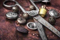 Кнопка металла шить Стоковое Фото