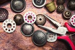 Кнопка металла шить Стоковая Фотография RF