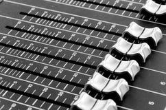 Кнопки от таблицы музыки смешивания Стоковое фото RF