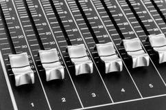 Кнопки от таблицы музыки смешивания Стоковые Изображения