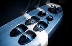 Кнопки управлением автомобильной двери Стоковые Фотографии RF