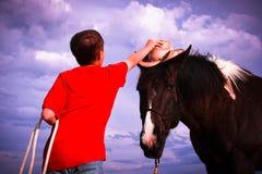 ковбой его лошадь Стоковые Фотографии RF