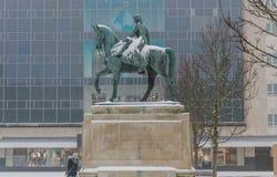 КОВЕНТРИ, АНГЛИЯ, Великобритания - 3-ье марта 2018: Дама Godiva Статуя на Broadgate в центре города, Ковентри, западных Midlands Стоковое Изображение RF