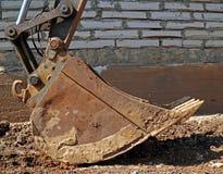 Ковш экскаватора на конструкции Стоковое Фото