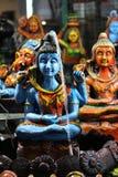 Когда Shiva бьет его встряхивания DAMRU- злые!! пока мудрое просыпается стоковые изображения