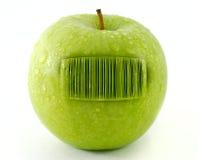код штриховой маркировки яблока свежий стоковое фото